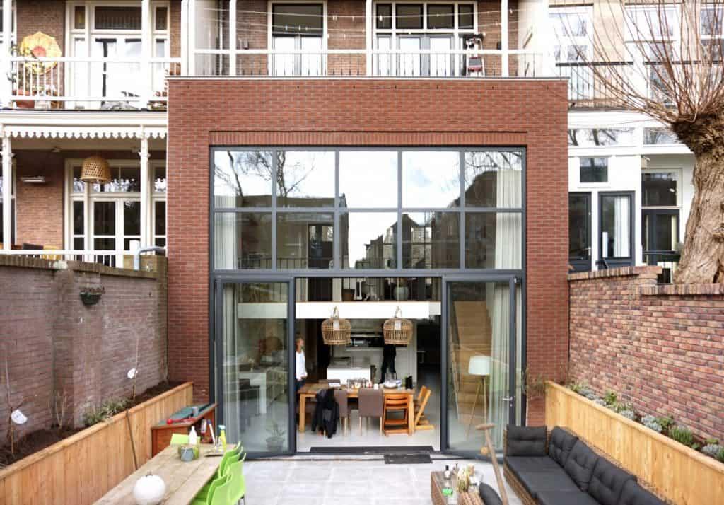 Riante uitbouw ontworpen door Richel Lubbers Architecten